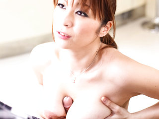 Whorish Hitomi Araki disrobes out of her maids uniform to..
